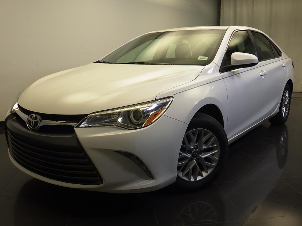 2016 Toyota Camry LE - 1310015985