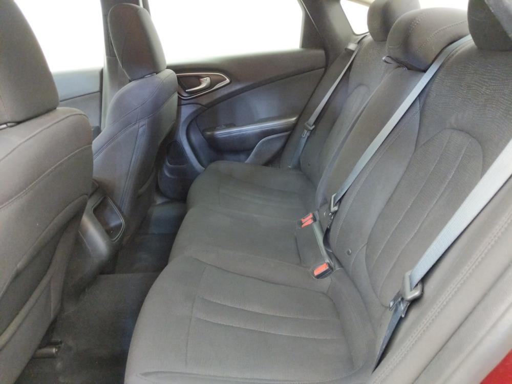 2015 Chrysler 200 Limited - 1310017243