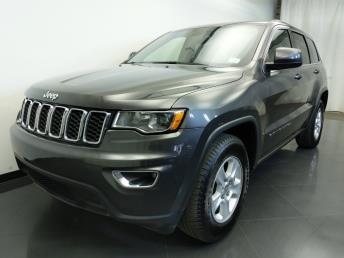 2017 Jeep Grand Cherokee Laredo - 1310017824