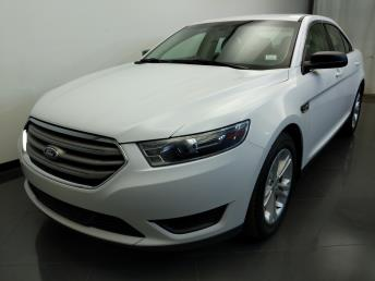 2015 Ford Taurus SE - 1310017908