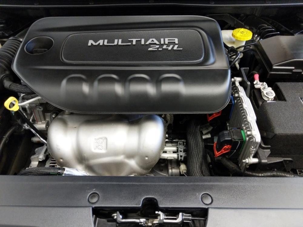 2016 Chrysler 200 Limited - 1310019175