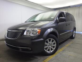 2016 Chrysler Town and Country - 1320011955
