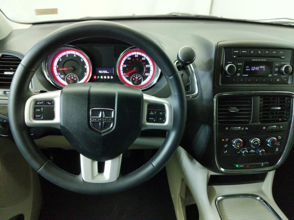 2016 Dodge Grand Caravan SXT - 1320013271