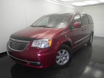 2013 Chrysler Town and Country - 1330028895