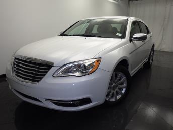 2013 Chrysler 200 - 1330030033