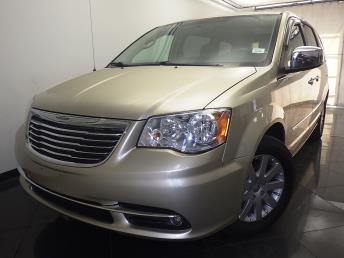 2011 Chrysler Town and Country - 1330033300