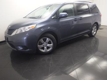 2015 Toyota Sienna LE - 1330035130
