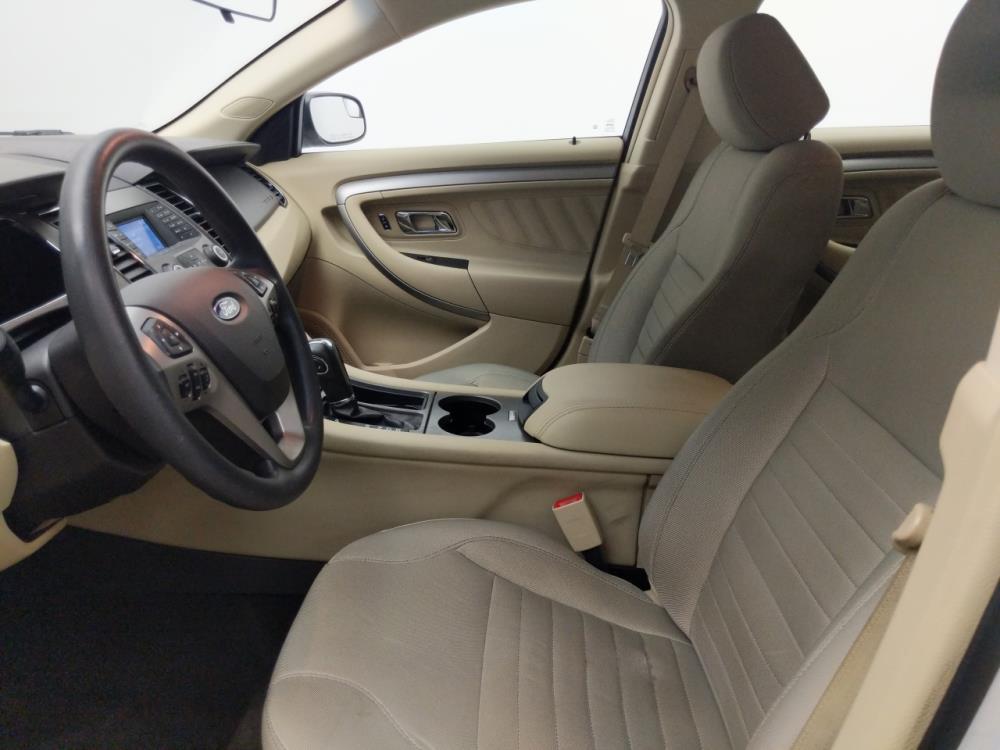 2015 Ford Taurus SE - 1330036037