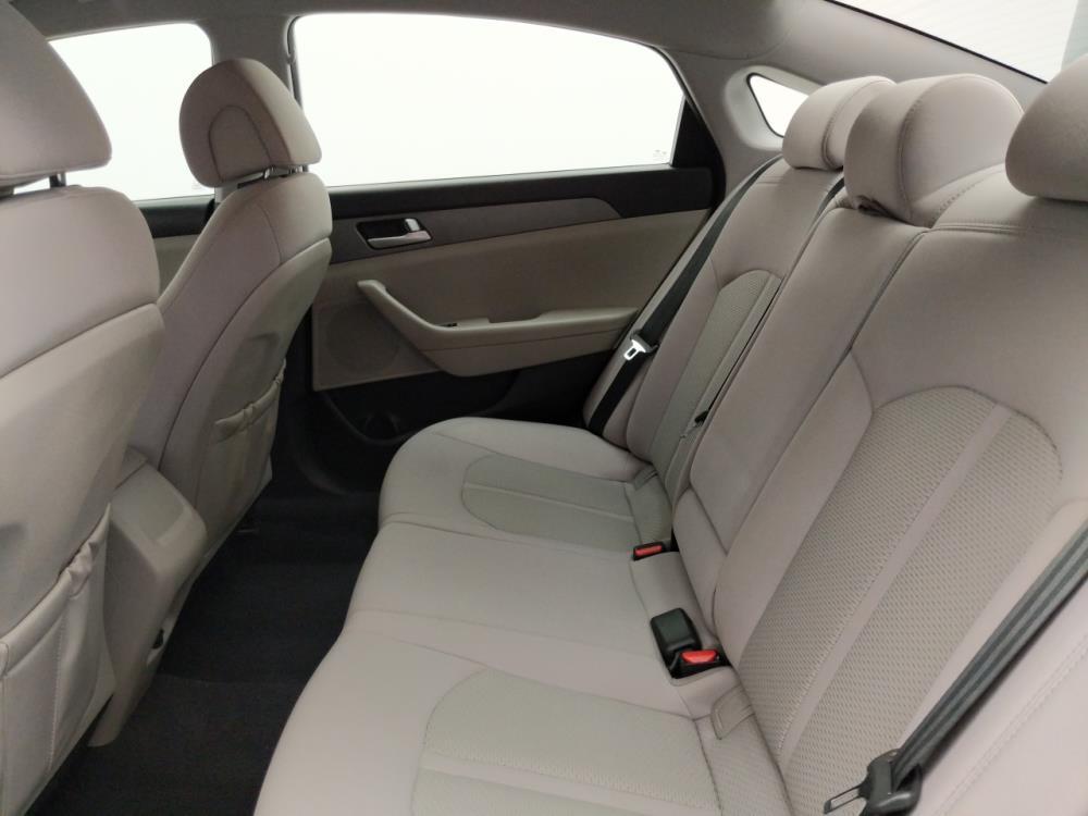 2016 Hyundai Sonata SE - 1330036298