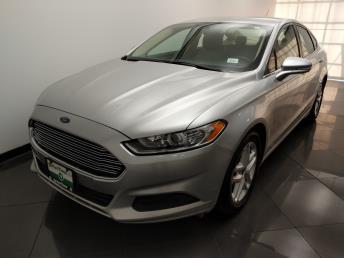 2015 Ford Fusion SE - 1330037077