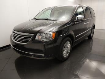 2015 Chrysler Town and Country Touring-L - 1330037447