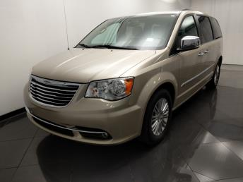 2015 Chrysler Town and Country Touring-L - 1330037448