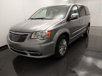 2015 Chrysler Town and Country Touring-L - 1330037687