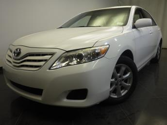 2011 Toyota Camry LE - 1370035326