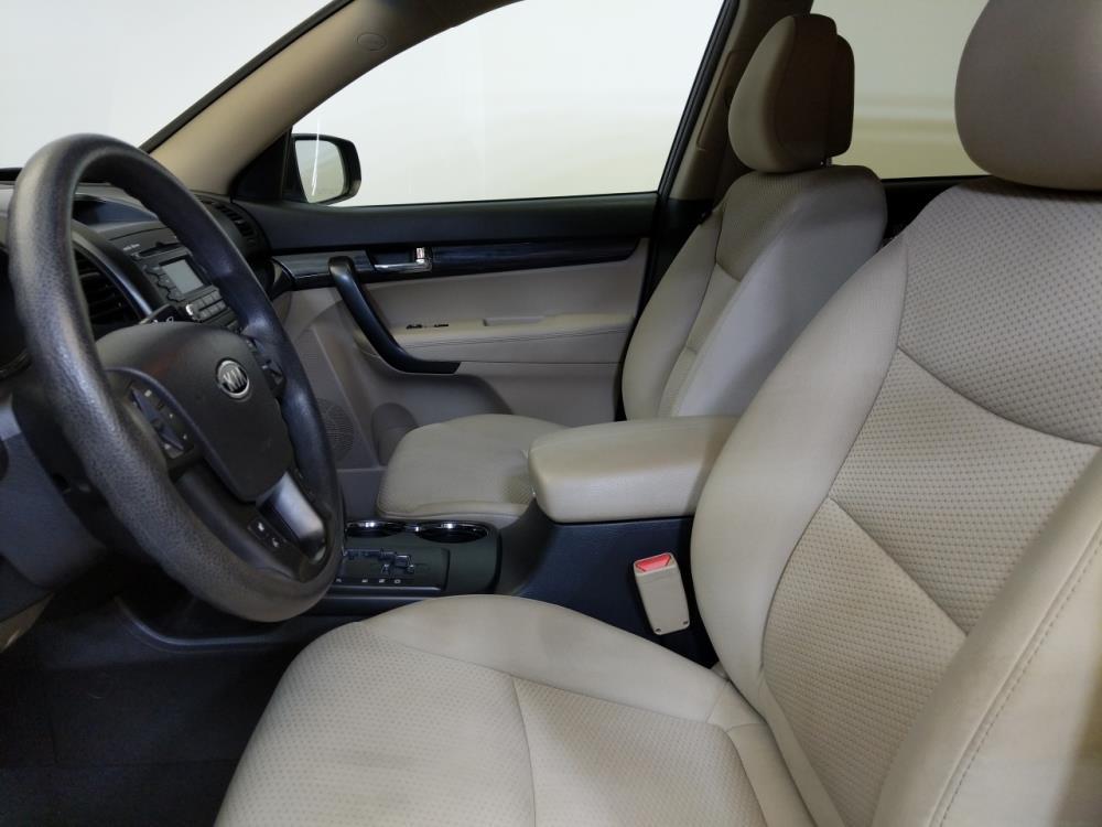 2011 Kia Sorento LX - 1370036358