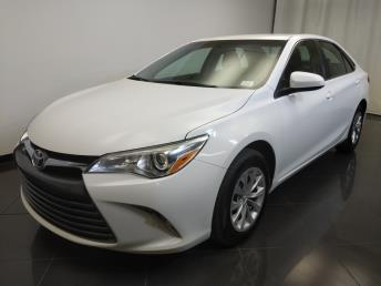 2016 Toyota Camry LE - 1370036670
