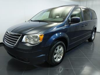 2008 Chrysler Town and Country Touring - 1370036955