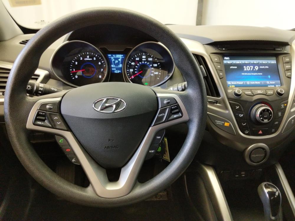 2016 Hyundai Veloster  - 1370037686