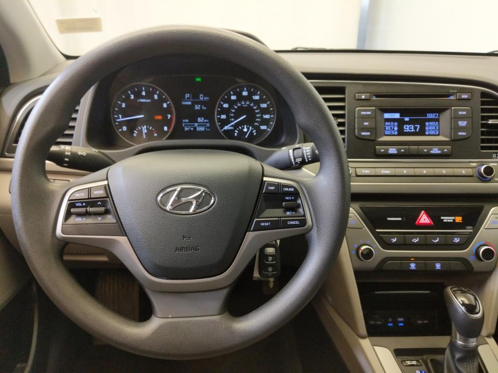2017 Hyundai Elantra SE - 1370037988