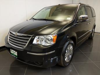 2009 Chrysler Town and Country Limited - 1370038404