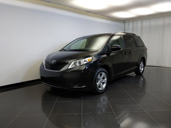 2017 Toyota Sienna LE - 1370039183