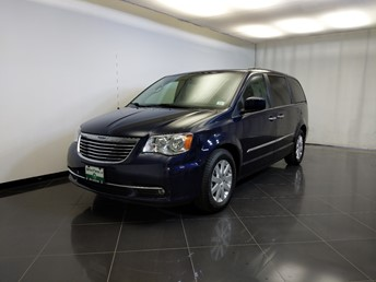 2015 Chrysler Town and Country Touring - 1370039460