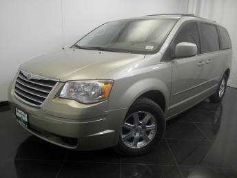 2009 Chrysler Town and Country - 1380027614