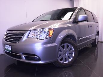 2016 Chrysler Town and Country - 1380035528