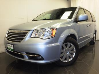 2016 Chrysler Town and Country Touring - 1380037844