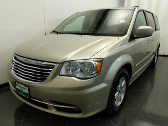 2011 Chrysler Town and Country Touring - 1380040172