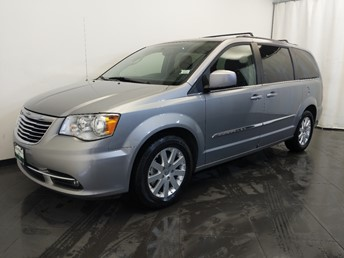 2016 Chrysler Town and Country Touring - 1380043175