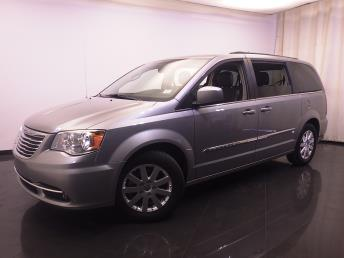 2016 Chrysler Town and Country - 1420026681