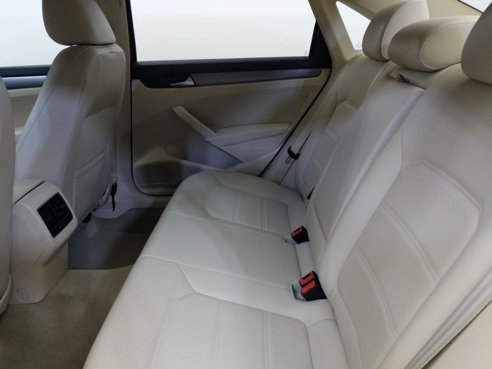 2015 Volkswagen Passat 1.8T SE - 1420029912