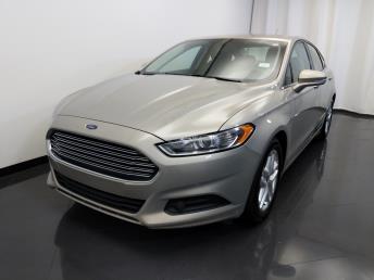 2015 Ford Fusion SE - 1420030120