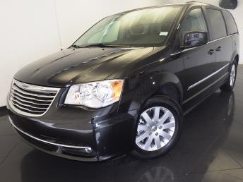 2016 Chrysler Town and Country Touring - 1530013280