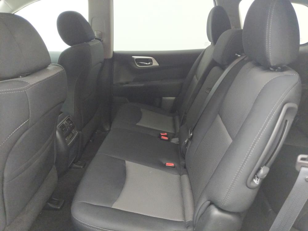 2017 Nissan Pathfinder SV - 1530014686