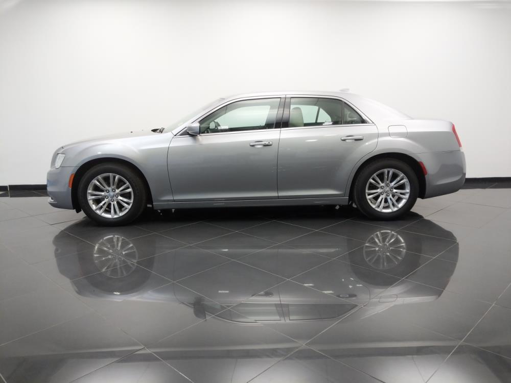 2017 Chrysler 300 300 Limited - 1530014759
