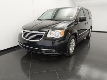 2014 Chrysler Town and Country Touring - 1530015975