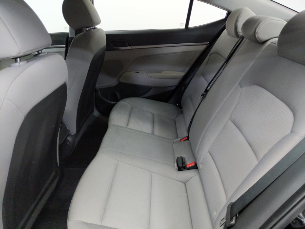2017 Hyundai Elantra SE - 1580006677