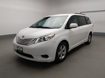 2016 Toyota Sienna LE - 1630001792