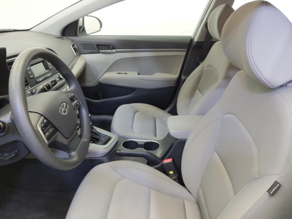 2017 Hyundai Elantra SE - 1660014033
