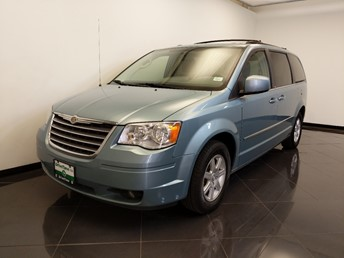 2010 Chrysler Town and Country Touring - 1660014897