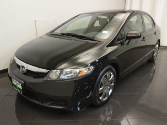 2011 Honda Civic LX - 1670010205