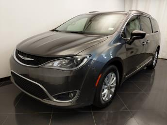 2017 Chrysler Pacifica Touring-L - 1720003022