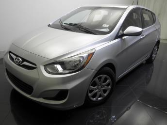 2012 Hyundai Accent - 1730018901