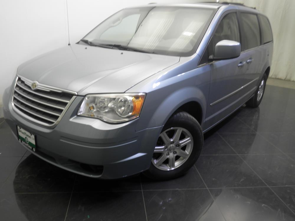 2009 chrysler town and country for sale in norfolk 1730019667 drivetime. Black Bedroom Furniture Sets. Home Design Ideas