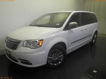 2014 Chrysler Town and Country - 1730028867