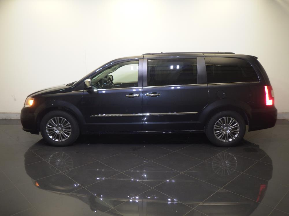 2014 Chrysler Town and Country Touring-L - 1730029437