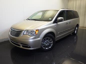 2014 Chrysler Town and Country Touring-L 30th Anniversary - 1730031148