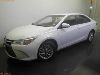 2016 Toyota Camry LE - 1730031189